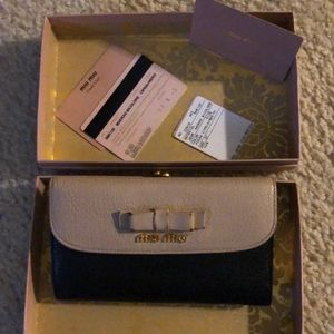 Authentic MIU MIU MADRAS BICOLORE WALLET